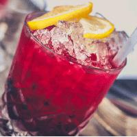 wódka  z sokiem żurawinowym